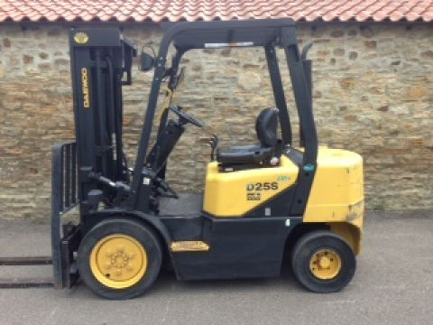 Fork Lift Truck  - Daewoo 2.5tonne Diesel with Container Mast