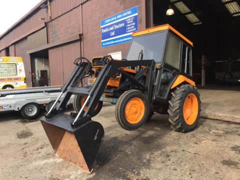 Kubota B275 Tractor with Marshall Tipping Trailer