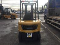 CAT DP25N - 2.5tonne Diesel Fork Lift Truck